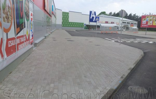 Shopping centre A7 –Paving works